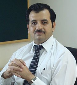 Dr Avneesh Gupte